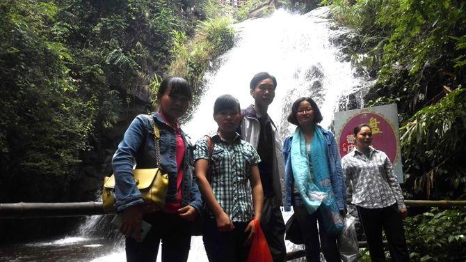 盘龙峡瀑布